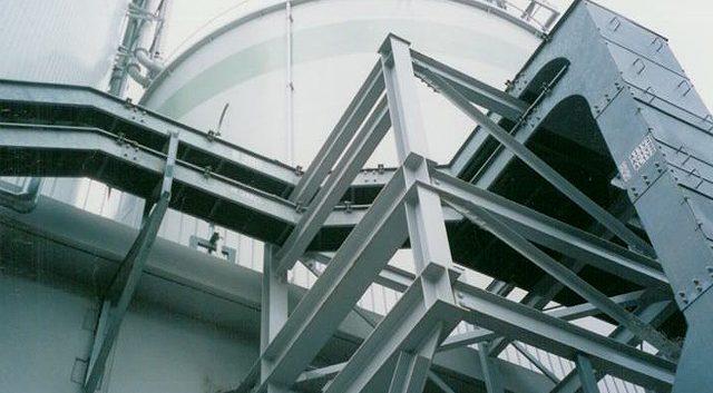 発電所内ケーブルトレイ