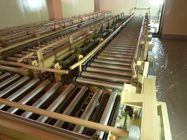 廃棄物圧縮搬送設備コンベアシステム