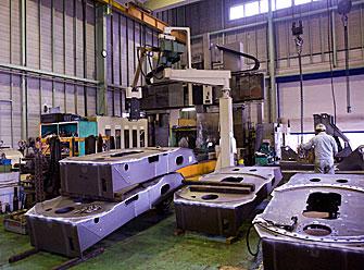 クレーン用旋回台/高張力鋼の機械加工